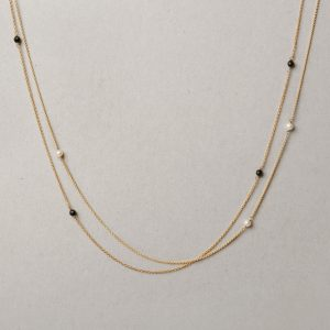 Yellow gold long thin rolò chain necklace with little black faceted agate stones or white pearls _ maschio gioielli milano