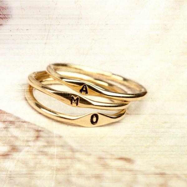 """3 rings """"Uno e abbastanza"""" _ a m o"""