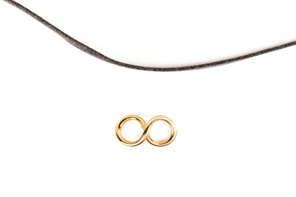 Huit. Bracelet