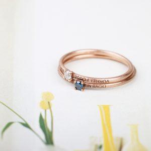Anello solitario personalizzabile in oro rosa con diamante ghiacciato bianco, fucsia o verde/blu _ maschio gioielli milano