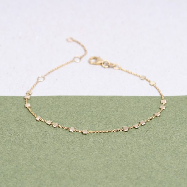 Yellow gold thin chain bracelet with little asymmetric squared gold beads _ maschio gioielli milano (3)