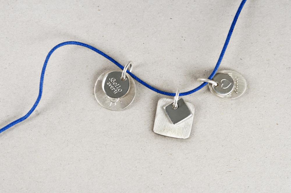 Puces. Pendant (silver)