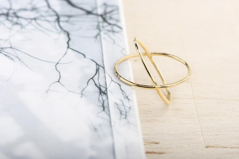 L'eleganza del bacio (novembre). Ring