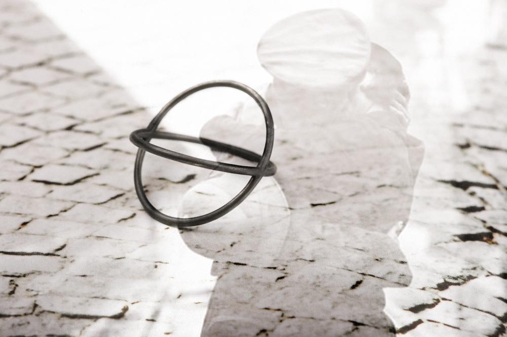 L'eleganza del bacio (marzo). Ring