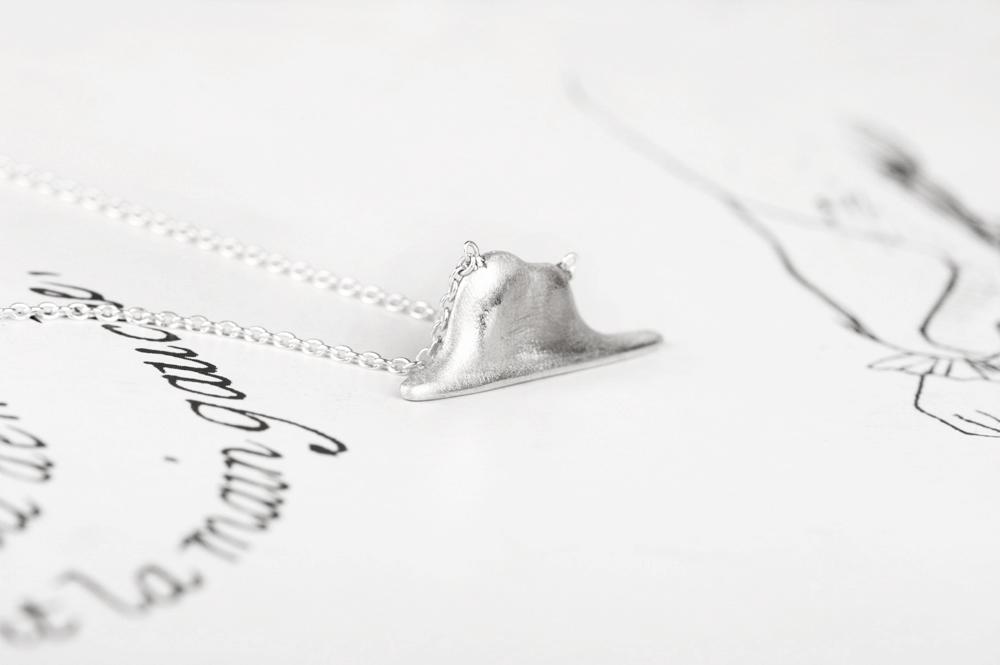 L'elefante innamorato. Collana (argento)