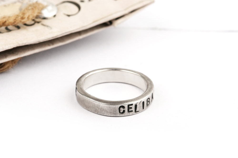 Senza fede. Ring