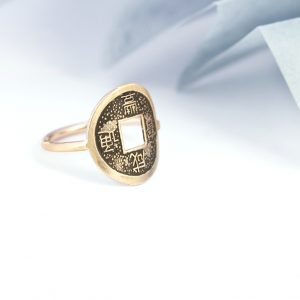 Gold ring with ancient asian coin (2)