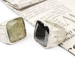 White silver rings with labradorite or haematite _ vintage