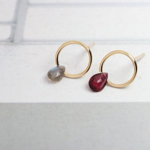 Circle earrings with stone drops (6)