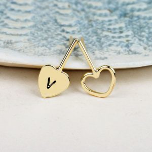 Stud earrings with hearts (2)