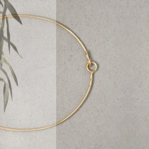 Thin bangle bracelet _ yellow gold (1)