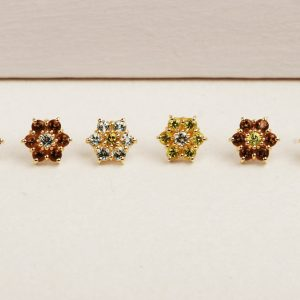 Flower stud earrings with two colored stones (2)