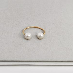 Minimal gold open ring with two white pearls (1)