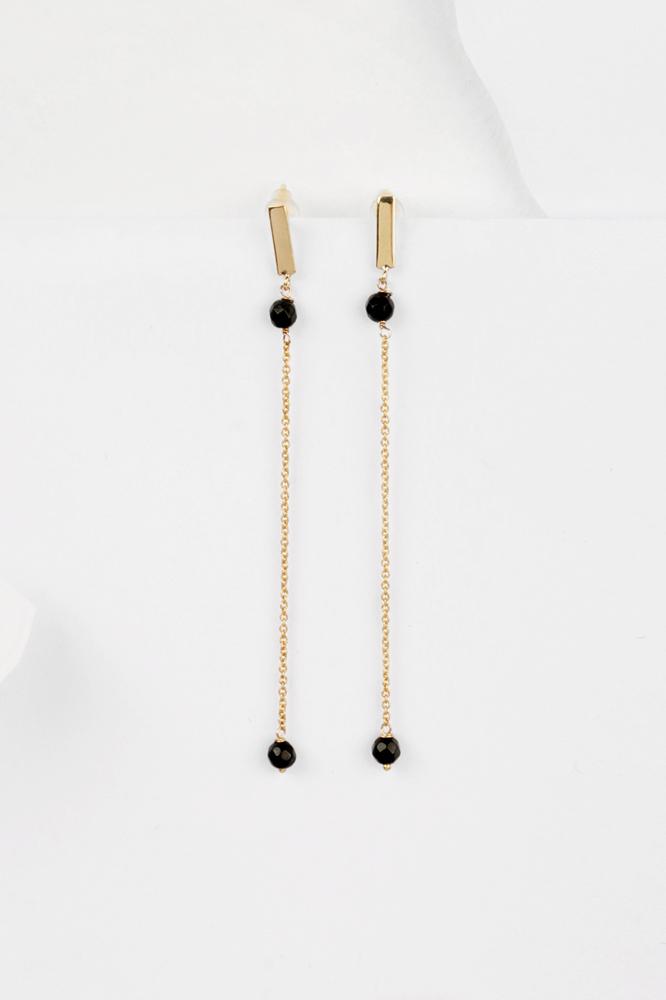 Minimal Simple Yellow Gold Long Stud Earrings With Thin Chain And Black Agate Maschio Gioielli