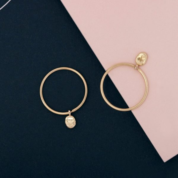 Yellow Gold thin circle hoop earrings with asymmetric nuggets _ maschio gioielli milano (1)