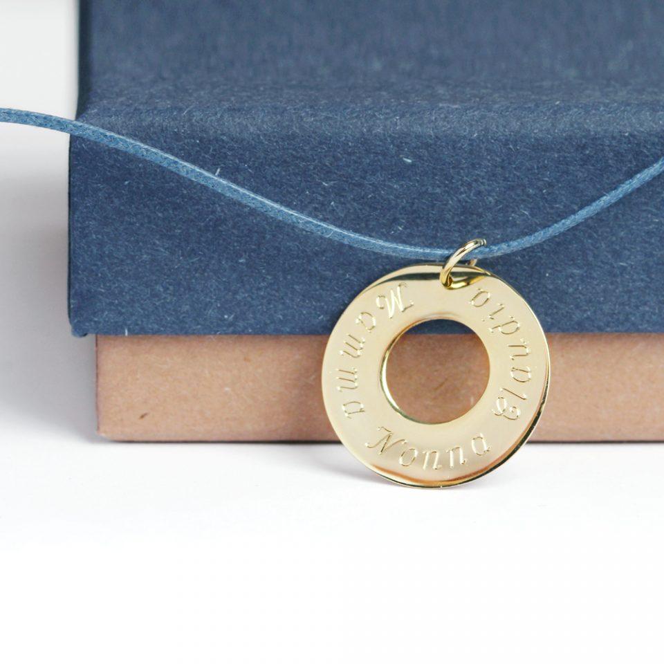 Bagel 22. Gold pendant