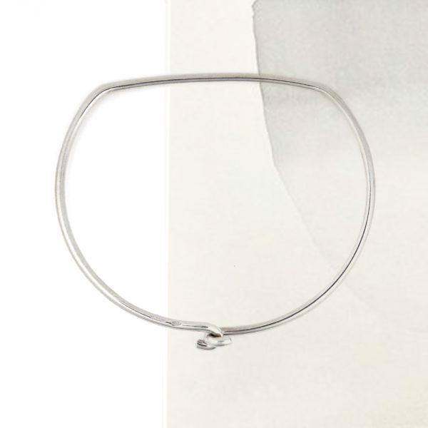 Bracciale bangle rigido in filo d'argento a staffa a D _ maschio gioielli milano