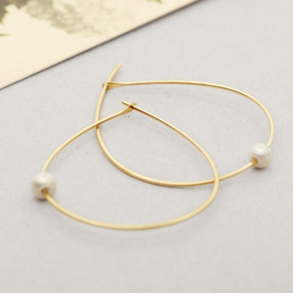 Yellow Gold Simple large thin wire teardrop hoop  earrings with white pearls _ wishbone earrings _ maschio gioielli milano (4)