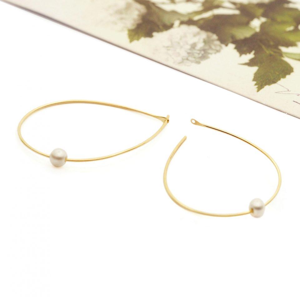 Large pluck. Earrings