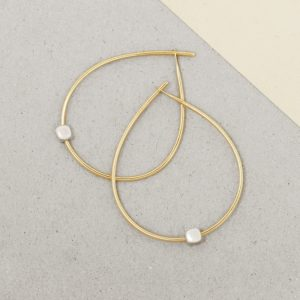 Yellow Gold Simple medium thin wire teardrop circle hoop earrings with 925 silver cubes _ wishbone earrings _ maschio gioielli milano