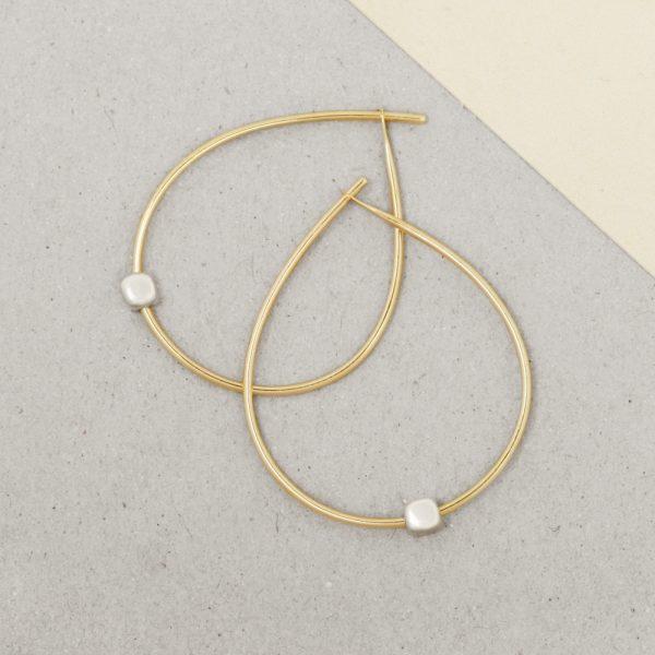 Yellow Gold Simple medium thin wire teardrop circle hoop  earrings with 925 silver cubes _ wishbone earrings _ maschio gioielli milano (2)