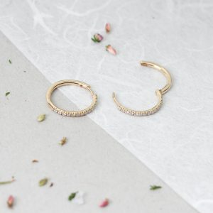 Yellow gold thin little Hinged Hoop Diamonds Huggie Style Earrings _ maschio gioielli milano