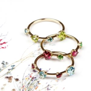 Contemporary gold rings with asymmetric faceted colored natural stones _ maschio gioielli milano
