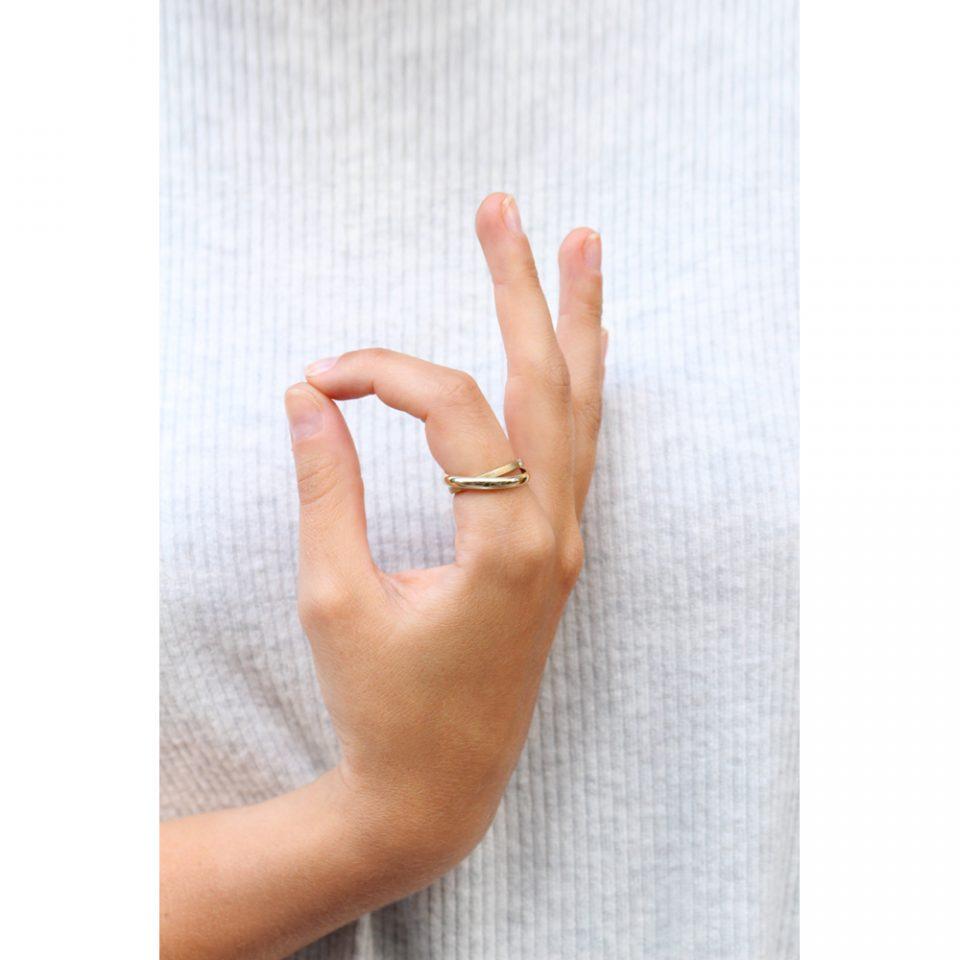 Io Yoga. Ring