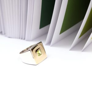 Silver and gold unisex square chevalier signet ring with green peridot stone _ maschio gioielli milano