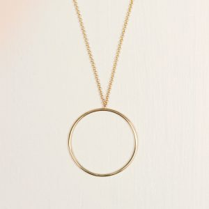 Minimal short gold chain necklace collier with thin tiny gold circle hoop _ maschio gioielli milano