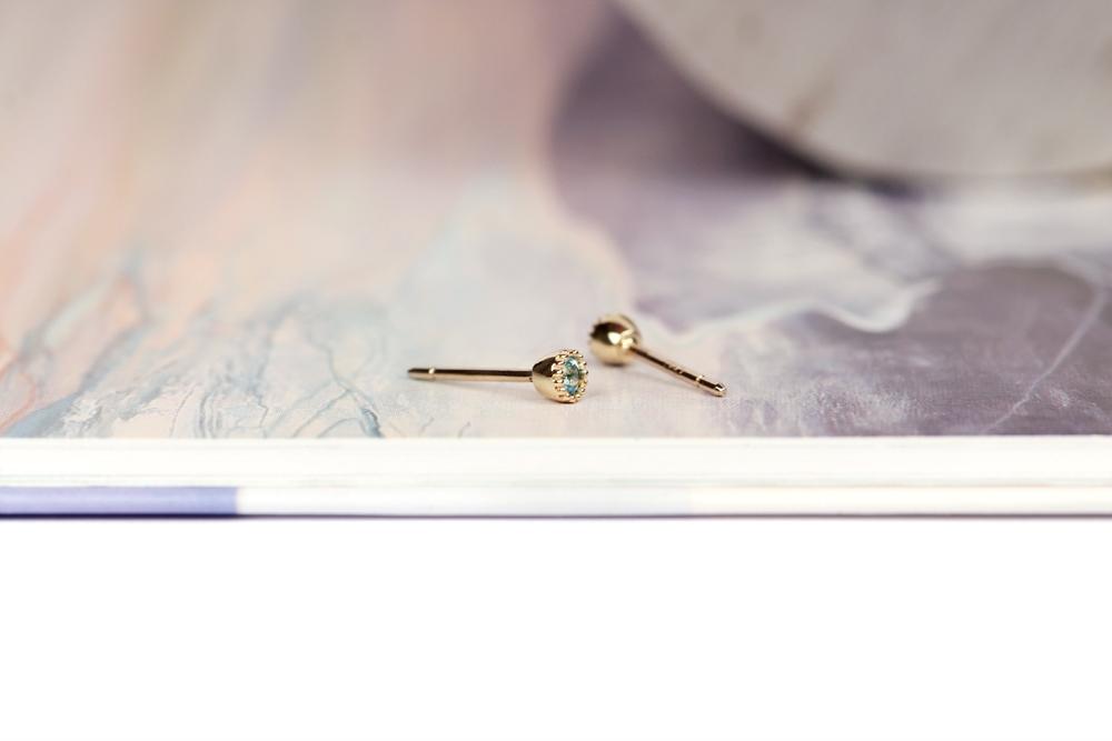 Il punto del colore. Single earring