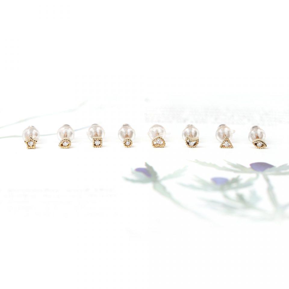Camminarsi. Single earrings