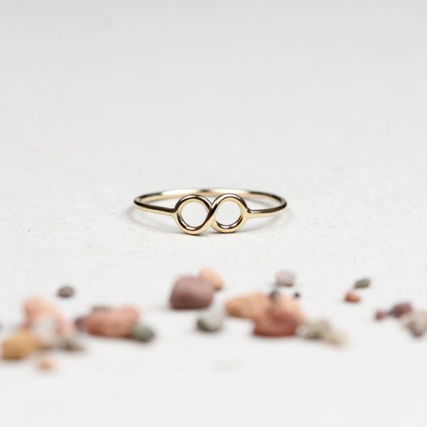 Yellow gold tiny thin wire infinity ring _ maschio gioielli milano (2)