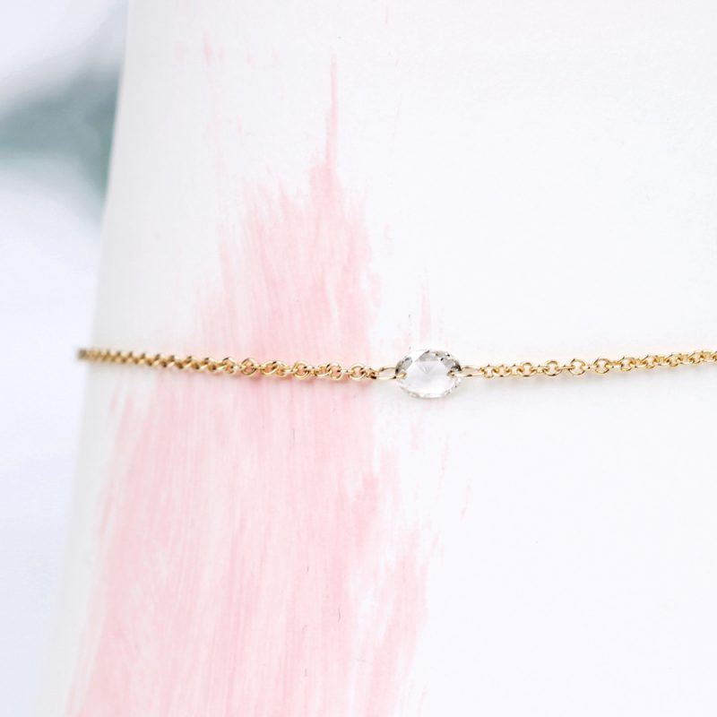 Minimalist thin gold rolò chain bracelet with naked loose white faceted diamond _ maschio gioielli milano