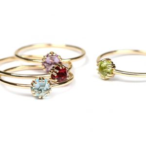 Thin wire gold rings with colored hexagon cut stones _ maschio gioielli milano