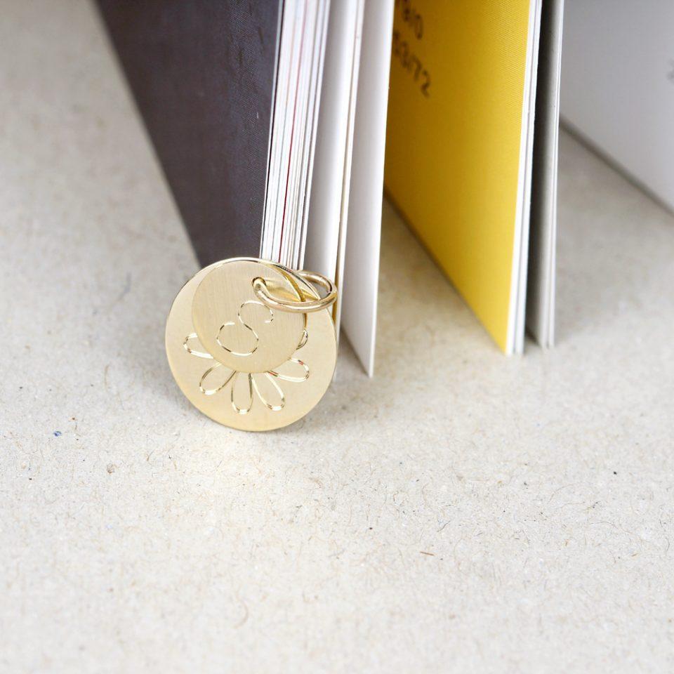Puces. Gold Pendant