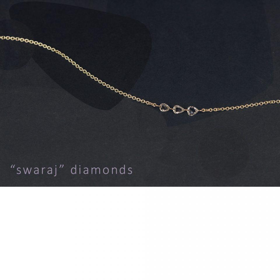 3 swaraj in cerca d'autore. Necklace