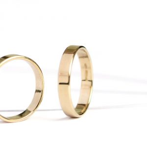 Minimalist flat band rings handmade in yellow gold _ maschio gioielli milano