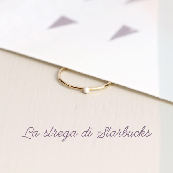 Yellow gold subtle rings with small bead covered in white enamel _ maschio gioielli milano (10)