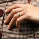 Anelli sottili in oro giallo con diamante taglio brillante _ maschio gioielli milano