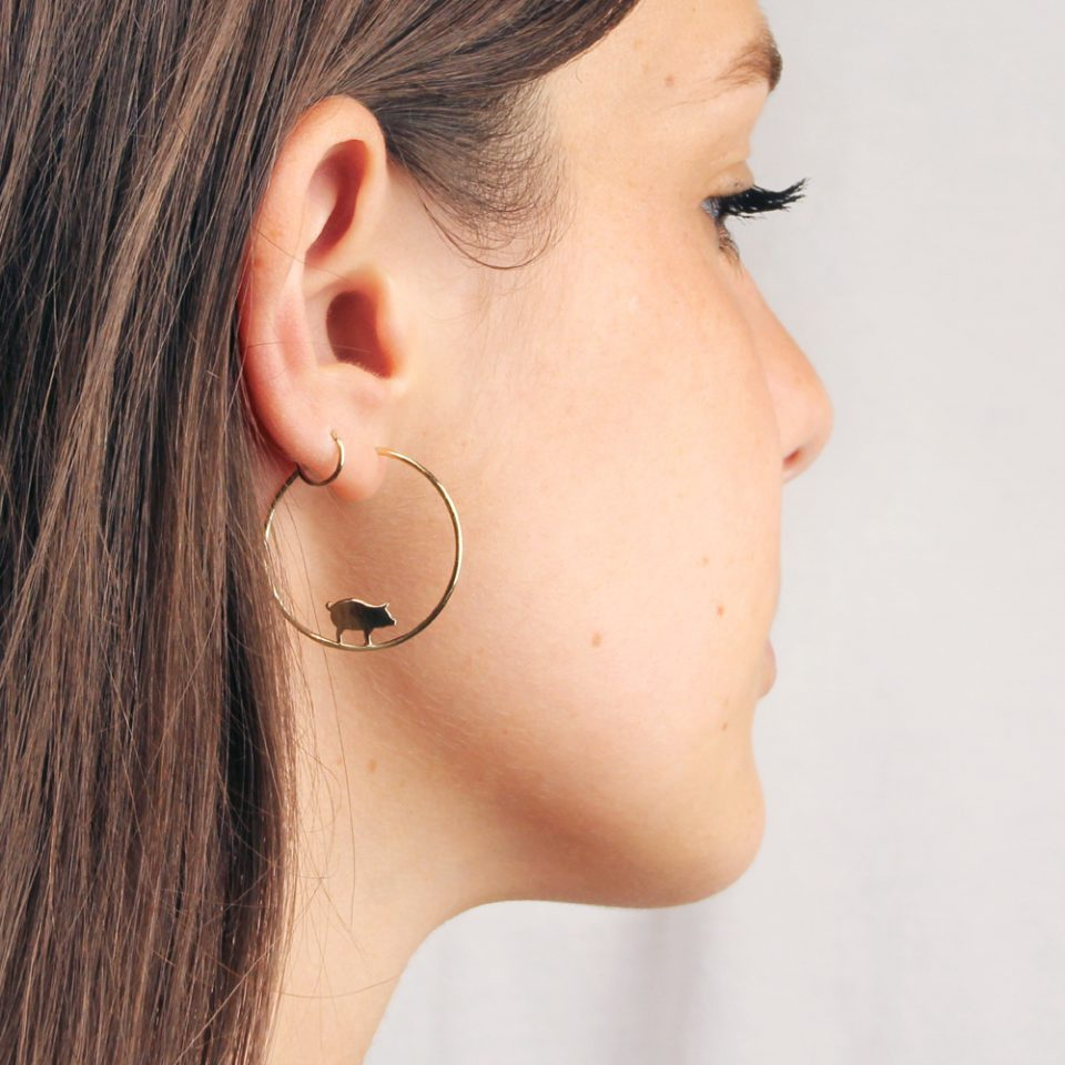 Maialina dentro. Single earrings