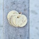 Small pendant in yellow gold with customized words and drawings _ maschio gioielli milano (2)