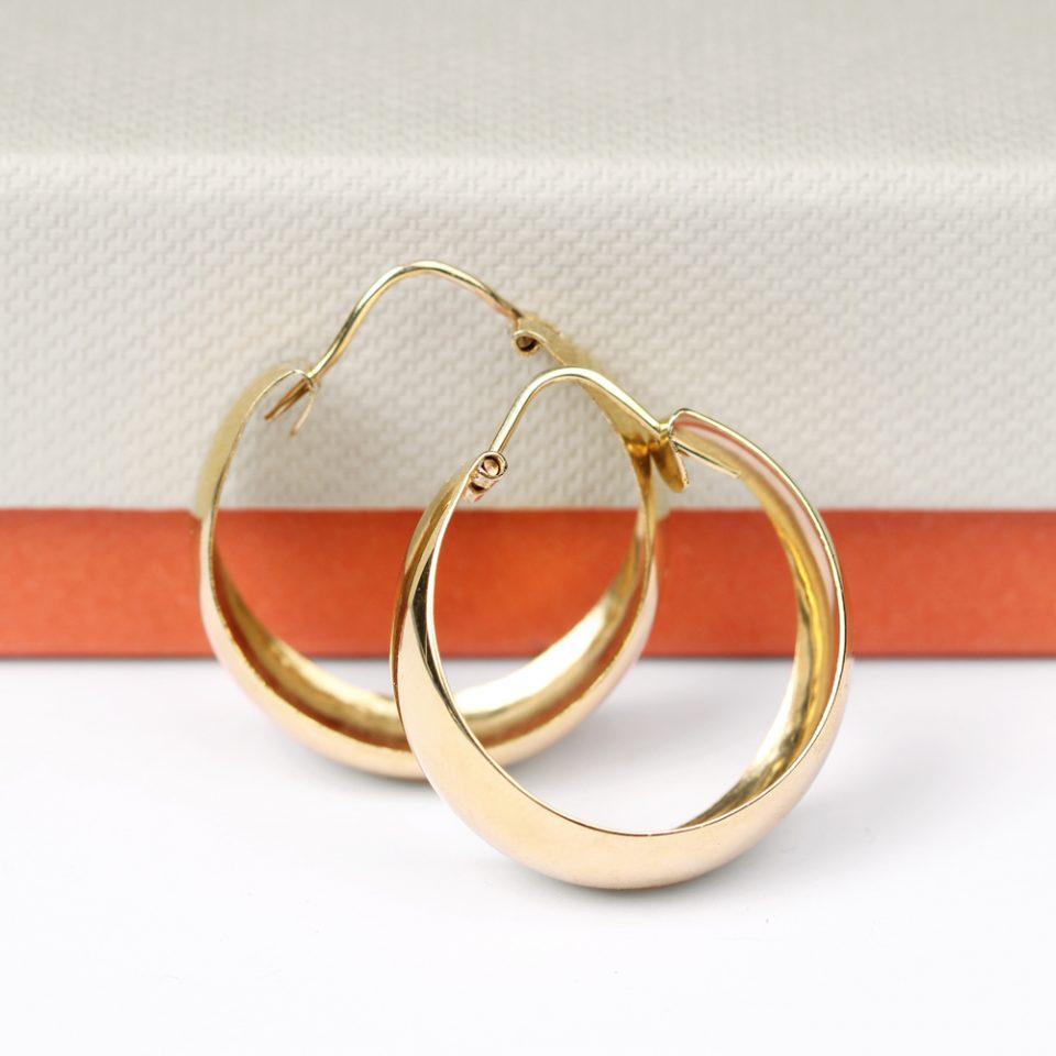 Scandal. Earrings (M)