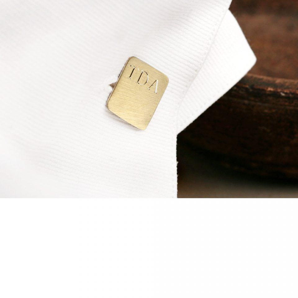 L'uomo di pane. Gold cuff-links